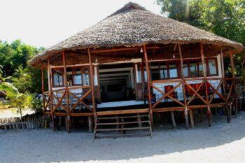 restaurant orania lodge manambato brickaville