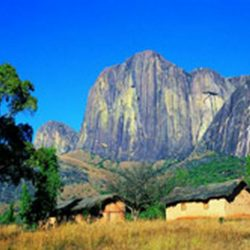 L'escalade à l'Andringitra et au Tsaranoro