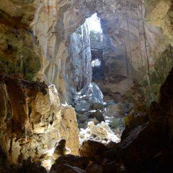 Jaskinie Belobaka