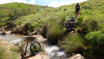 Balade en vélo à Ampefy, dans la région d'Itasy, en périphérie d'Antananarivo