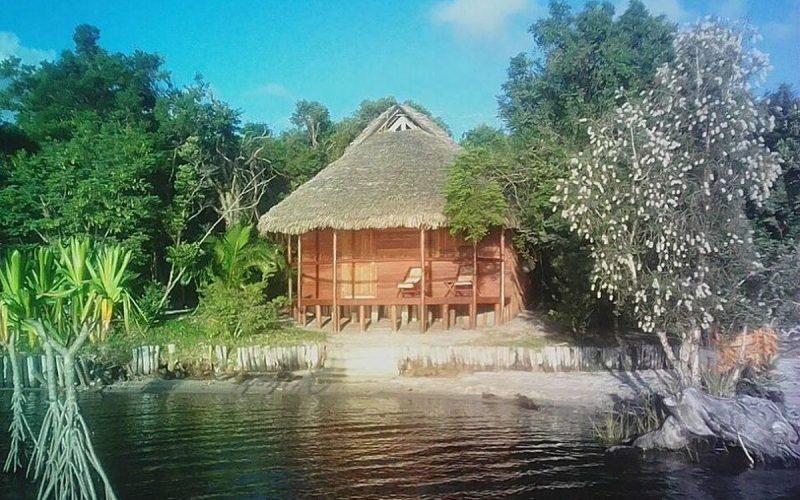 bungalow bord lac ony hotel pangalanes manambato