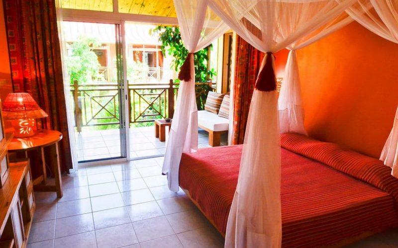 chambre avec balcon hotel la croix du sud tolanaro fort dauphin
