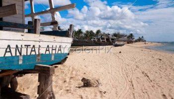 Contemplez le paysage d'Antalaha avec ses boutres