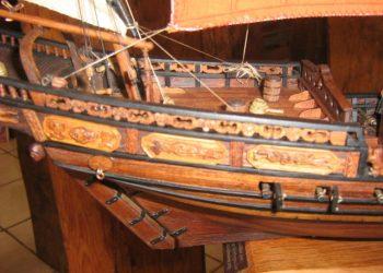 wścibski model statku