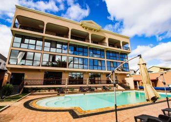 piscine nouveau batiment hotel le royal palace antsirabe
