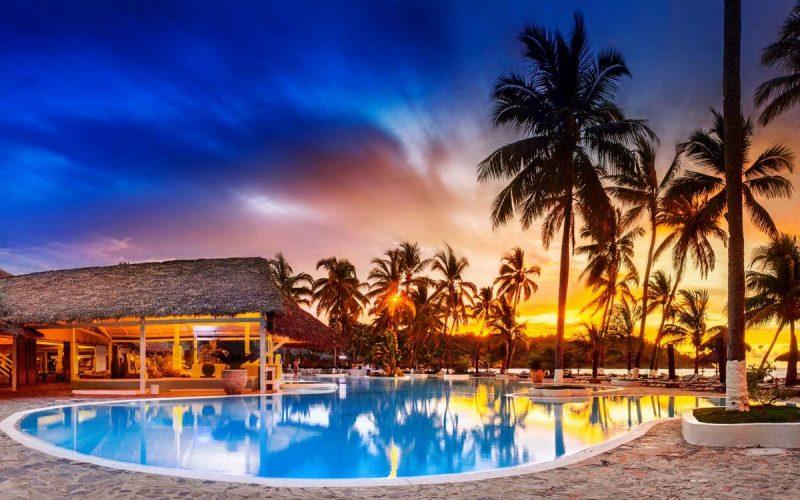 piscine soir andilana beach resort nosy be