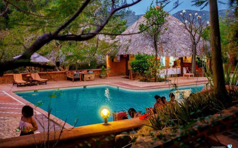 vue piscine soir suarez hotel antsiranana diego-suarez